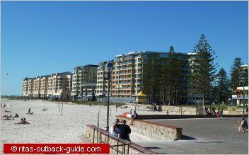 Adelaide Apartments Oaks Plaza