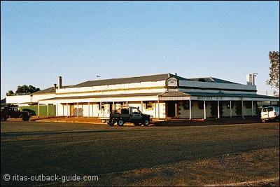 Birdsville Pub 2004
