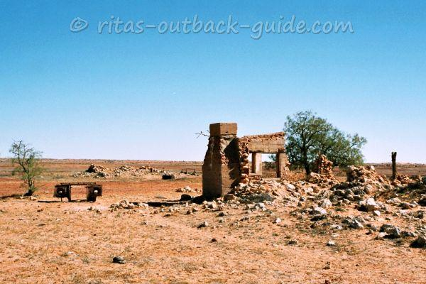 Mulka ruins along the Birdsville Track