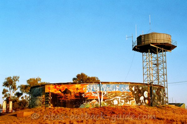 Water tower and tank in Boulia