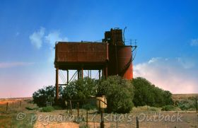 Read about the route from Marree to William Creek, and discover the sights of the Ghan railway