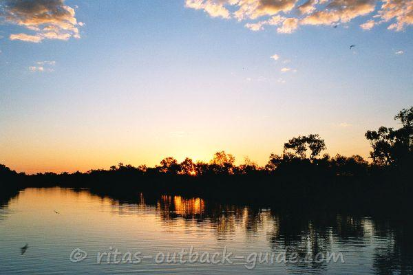 Beautiful sunset on the Thomson River in Longreach