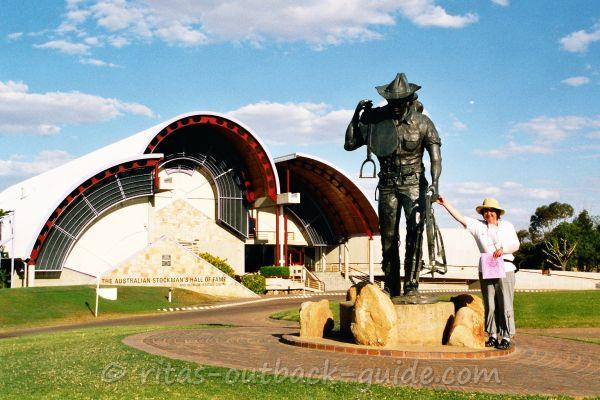 Stockman's Hall of Fame in Longreach - entrance and statue